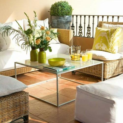 veranda deko ideen frühling sonnenterrasse metall tischbeine
