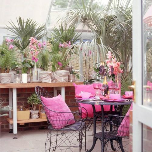 veranda deko ideen frühling sonnenterrasse metall möbelstücke