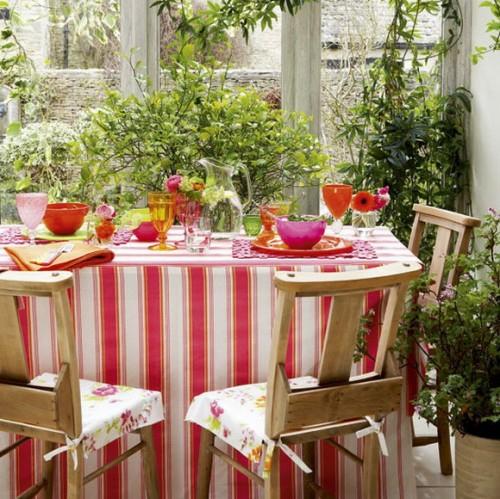 veranda deko ideen frühling sonnenterrasse streifen