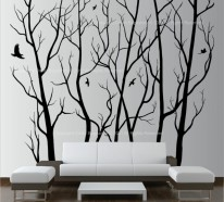 Attraktive Wanddekoration mit originellen künstlerischen Elementen