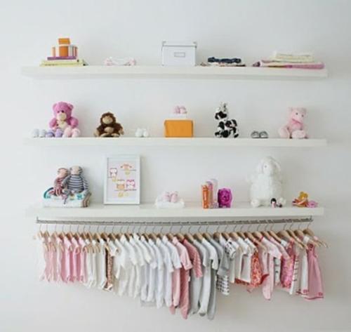 wandregale weiß minimalistisch kinderzimmer ordnung idee