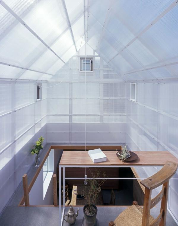 Weisses transparentes haus in yamasaki von tato architects for Küchenarbeitsplatte wei