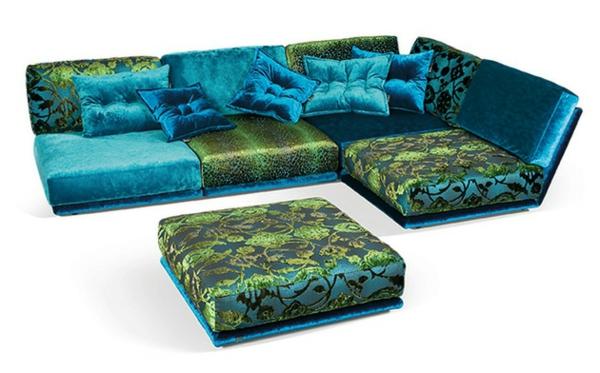 Wohnzimmer mit napali sofa in blau
