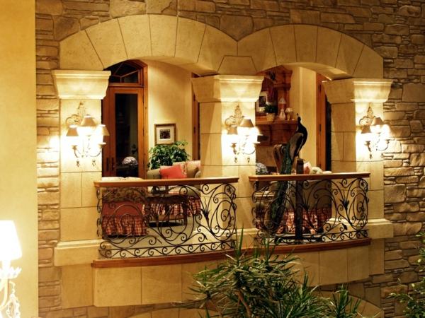 attraktiven balkon gestalten design blumen dach französisch