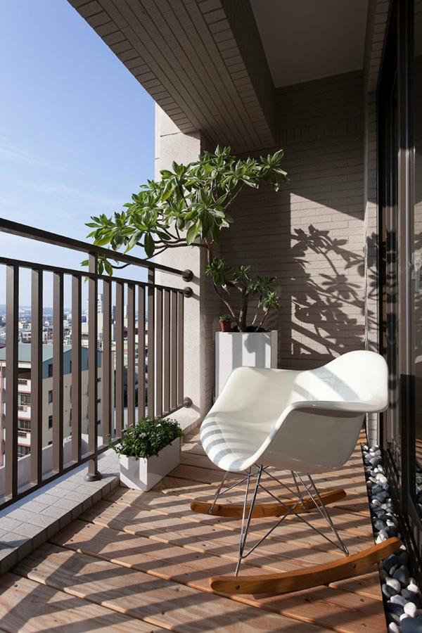 balkon bodenbelag holz idee fliesen originell Balkon Holzfliesen Ideen