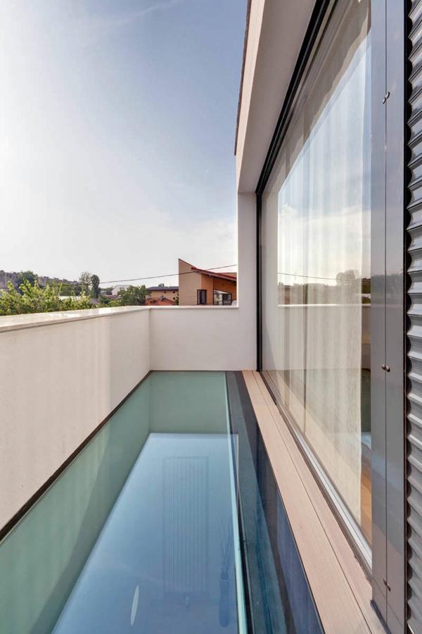 Balkon Bodenbelag Aus Glas : Terrasse und Balkon Holzfliesen Ideen - gläserner Bodenbelag