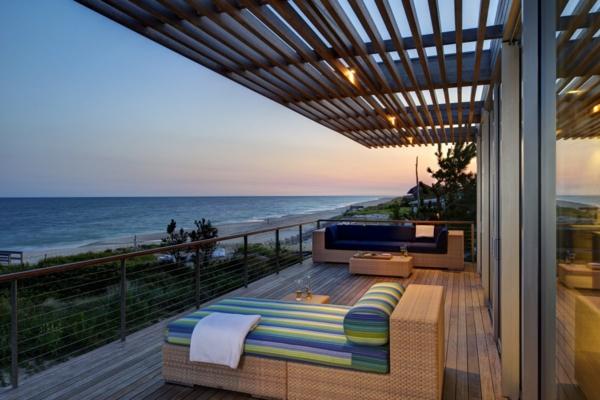 Balkon Holzfliesen Ideen bodenbelag holz idee residenz