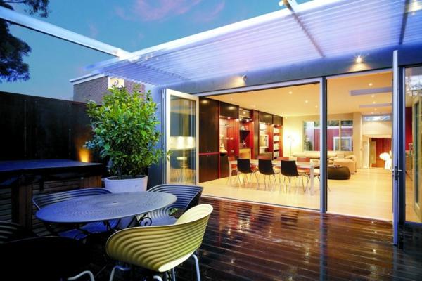 balkon fußboden holz rot stuhl essbereich esszimmer