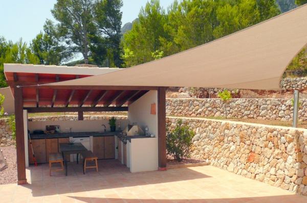 terrasse und garten sonnenschutz ideen sonnensegel und With markise balkon mit tapeten bordüre küche