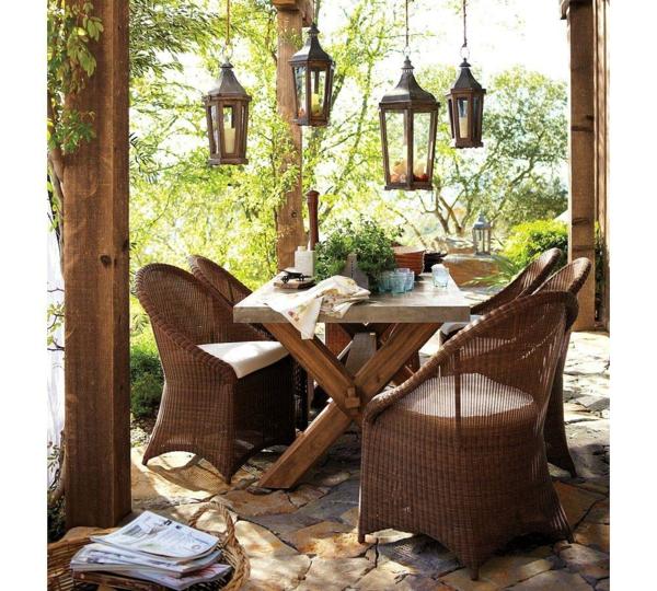 balkon möbel idee holz bodenbelag rattan lampen Coole Garten und Balkonmöbel Ideen