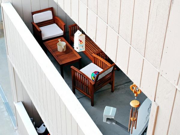 balkon möbel idee holz bodenbelag weiß Coole Garten und Balkonmöbel Ideen