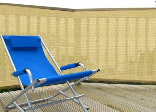 balkon sichtschutz liege privatsphäre beige holzboden
