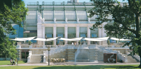 balkon sonnensegel schattenspender designer ideen garten cafe