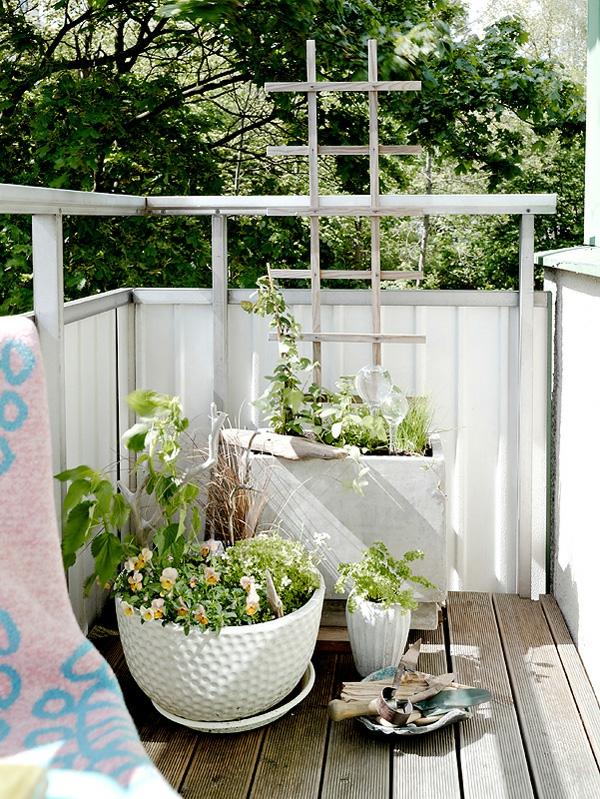 balkon pflanzen design ideen blumenkorb