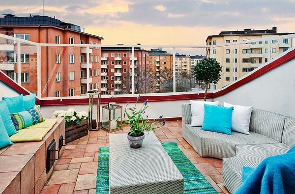 praktische Balkon Designs ideen holz sommerlich türkis