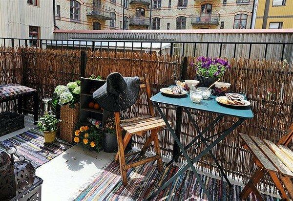 bequeme balkon designs ideen holz zaun