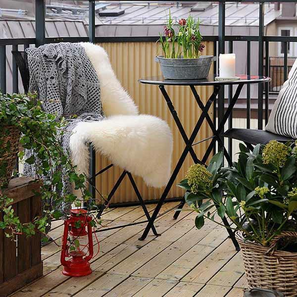 projekt balkon design ideen liege weich fell auflage