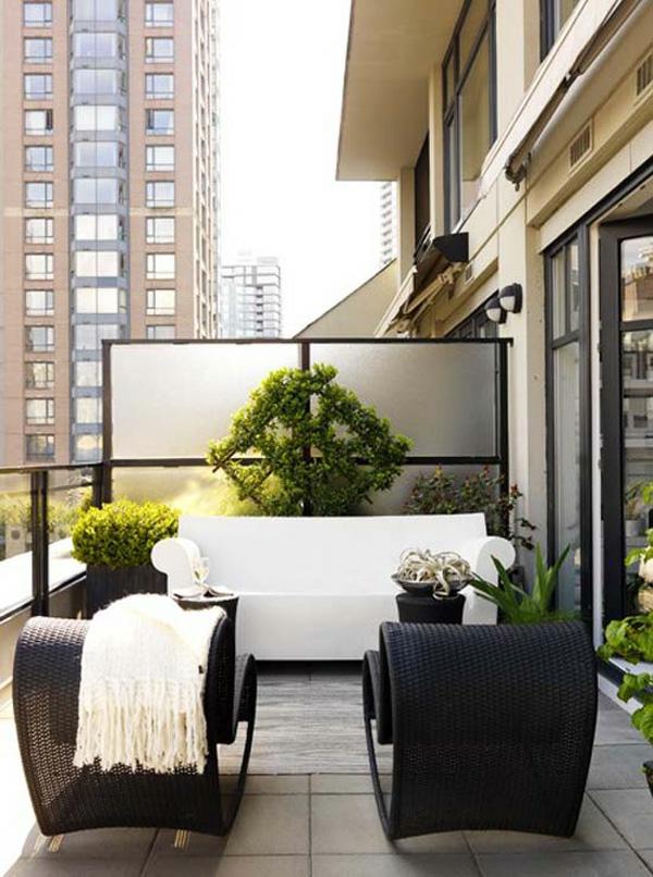 projekt balkon design ideen rattan möbel weiß decke