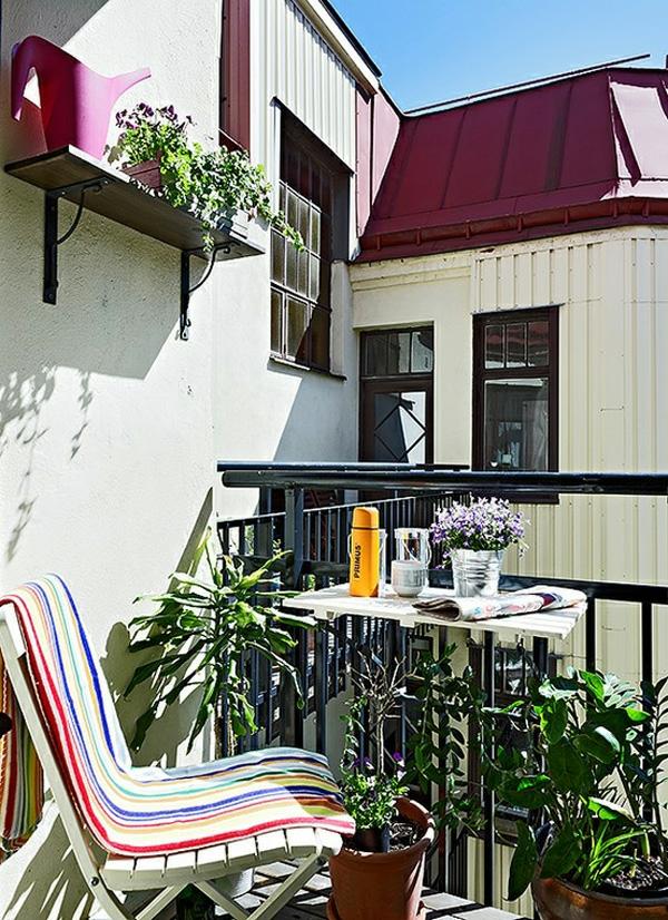 projekt balkon design ideen sitzecke streifen auflagen