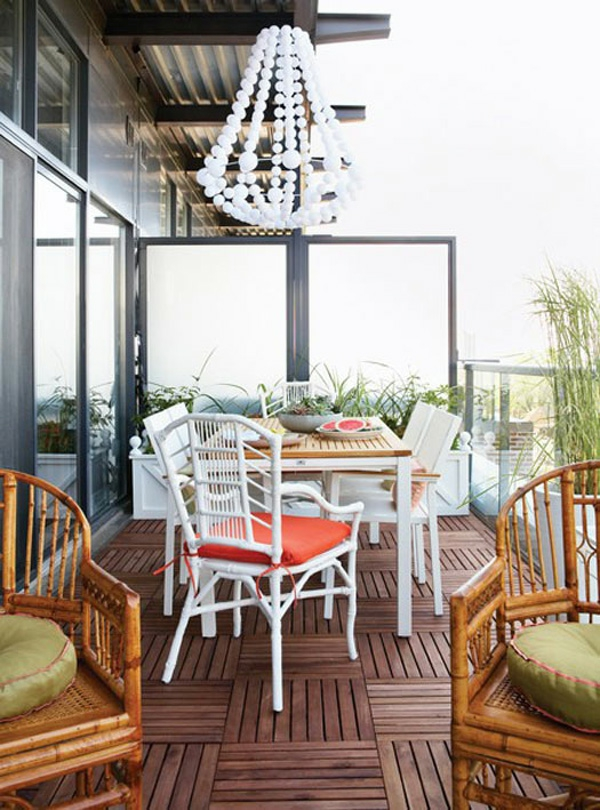 projekt balkon design ideen weiß möbel orange auflagen