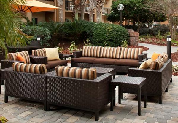 bequemer sitzplatz im garten 20 stilvolle sitzecken im freien. Black Bedroom Furniture Sets. Home Design Ideas