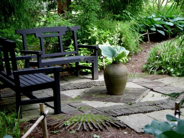 bequmer sitzplatz im garten schwarz bank vase