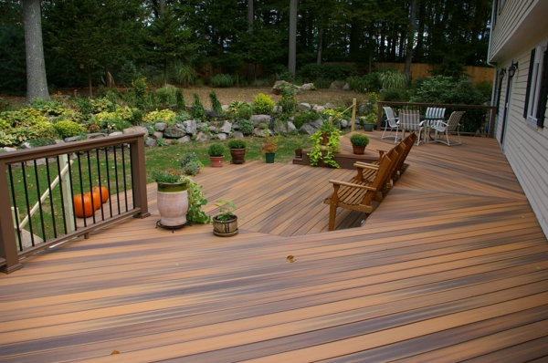 Coole ideen f r bodenbelag im au enbereich die richtige wahl for Composite decking pros and cons