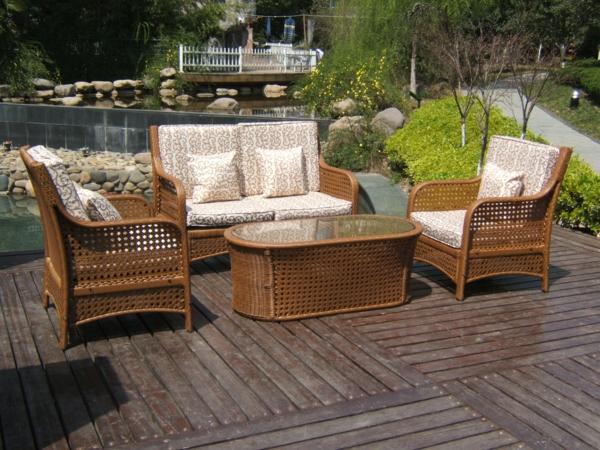holzplatten im außenbereich verflochten möbel tisch sofa