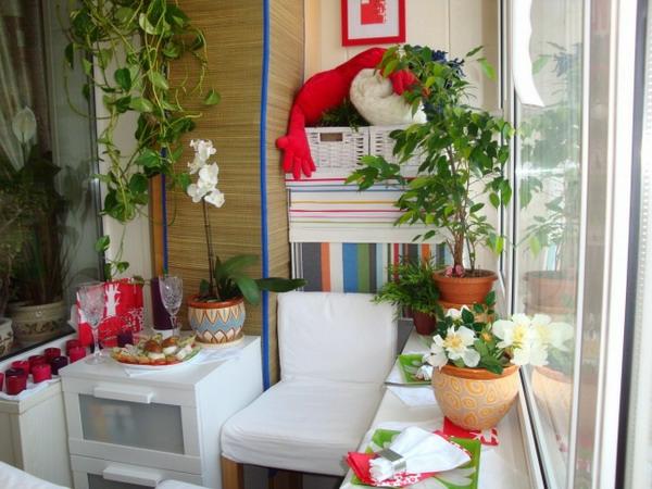 coole deko ideen für balkon designs tisch rote motive