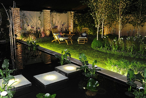coole gartenbeleuchtung erhellen sie ihren gem tlichen au enraum. Black Bedroom Furniture Sets. Home Design Ideas