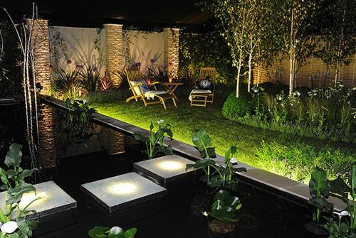 coole gartenbeleuchtung haus leuchte schwimmbecken