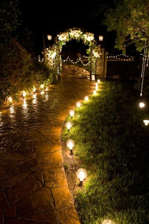 coole gartenbeleuchtung weg steine leuchte gras bogen