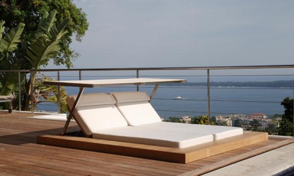 coole idee relax liege und sofa im garten gepolstert