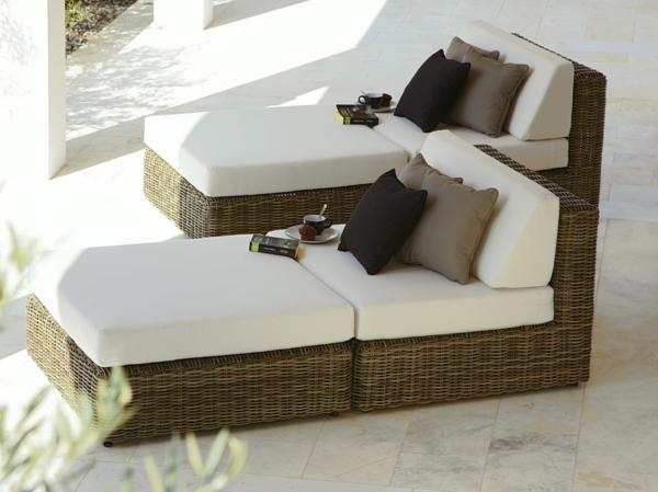 coole idee relax liege und sofa im garten weiß rattan