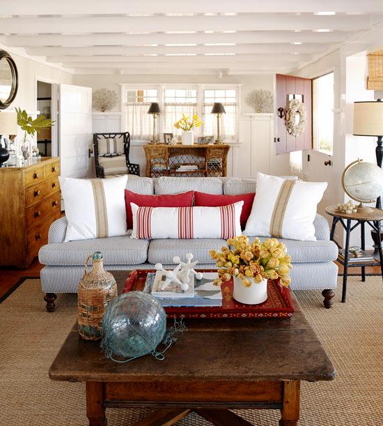 Deko Ideen Haus Vintage Weiß Holztisch Kissen Blumen