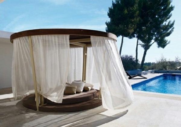 dekoration im au enbereich mit baldachin tolle ideen. Black Bedroom Furniture Sets. Home Design Ideas