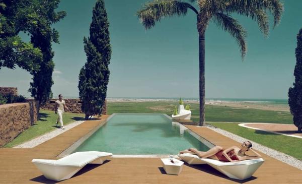 designer gartenmöbel ideen holz modern luxuriös liege pool