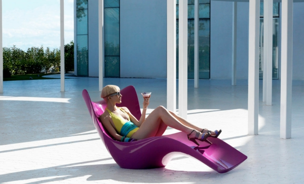 designer gartenmöbel ideen holz sonnenliege pink glanzvoll