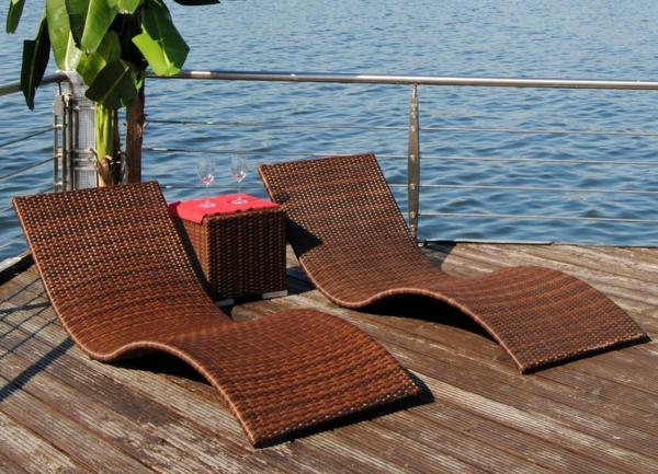 designer trendige relax liegen im garten rattan liegen beistelltisch