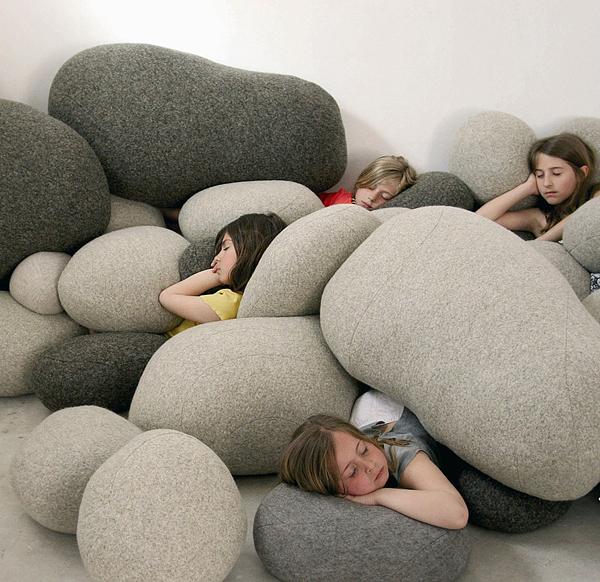 designer sitzkissen steine natur inspiration schurwolle kinder schlaf