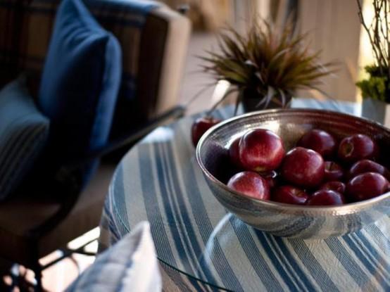 designer terrasse veranda holz vintage tisch apfel glasscheibe