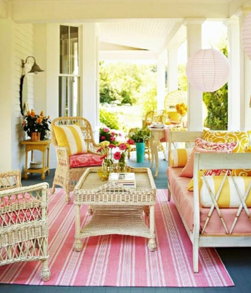 schonefarbenfrohe veranda ideen gemutliche sitzecke With balkon teppich mit tapeten asiatische motive
