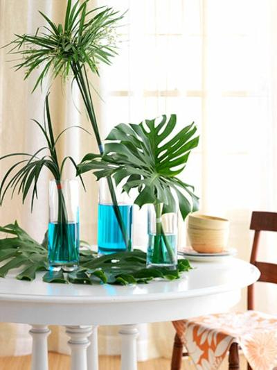frische sommer ideen palmen blätter vase tisch deko
