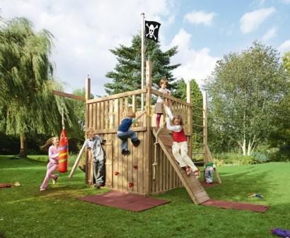 Kinderspielplatz Im Hinterhof U2013 Praktisch Für Sie, Traumhaft Für Ihre Kinder