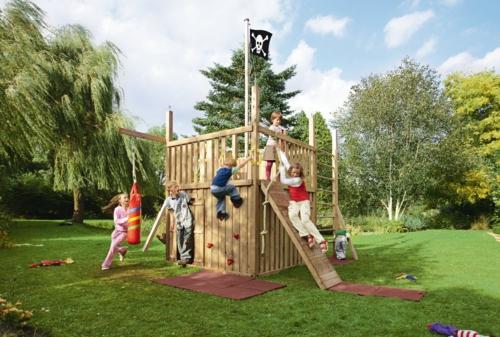 Kinderspielplatz im hinterhof praktisch und traumhaft - Gartengestaltung kinder ...