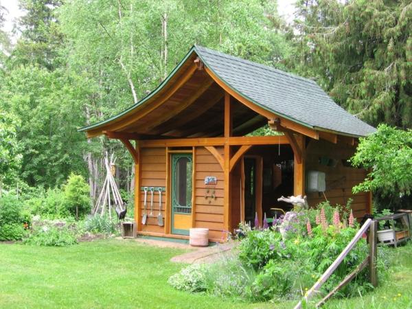 Gartenhäuser aus Holz  asiatisch laub baum schön