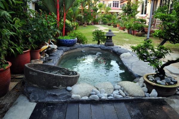 sch nen gartenteich anlegen gestalten sie einen wassergarten. Black Bedroom Furniture Sets. Home Design Ideas