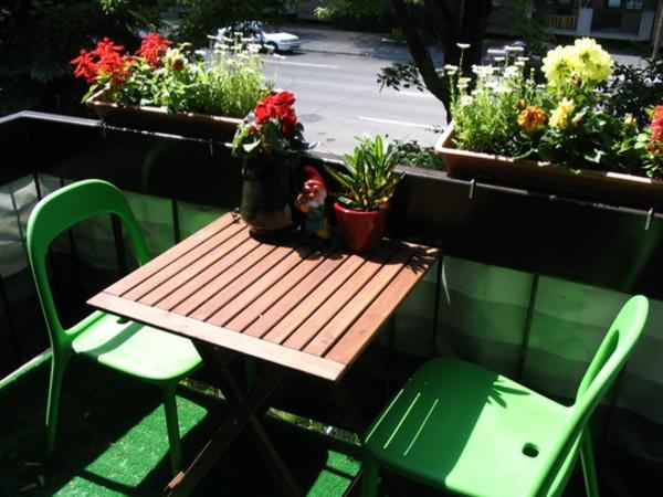 ideen balkon art kunst holz grün stuhl