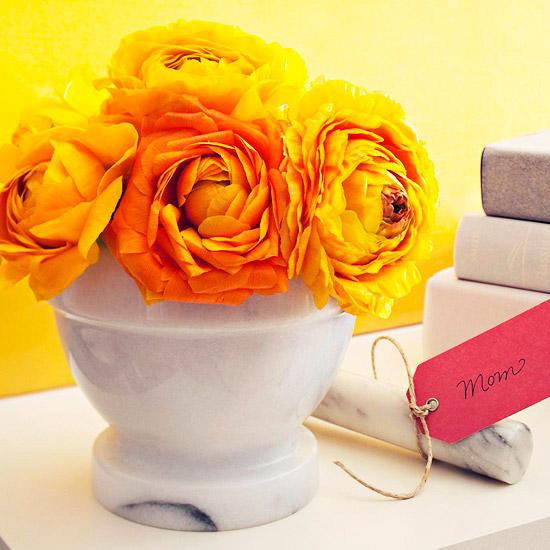 leichte blumen deko ideen zum muttertag gelb keramisch