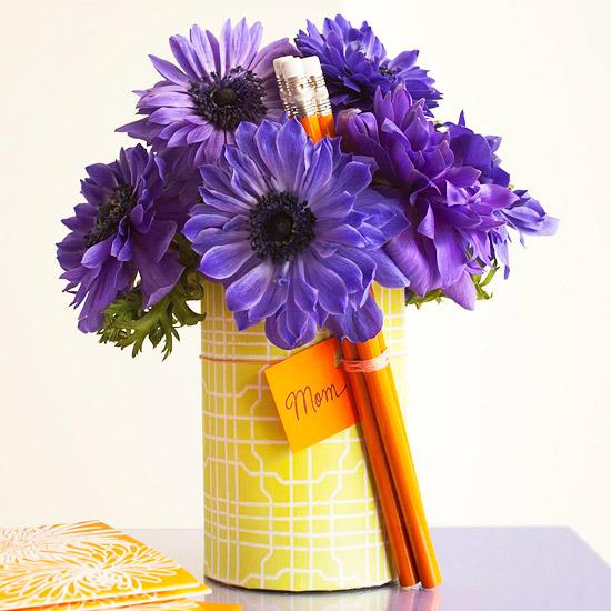 leichte blumen deko ideen zum muttertag lila karte